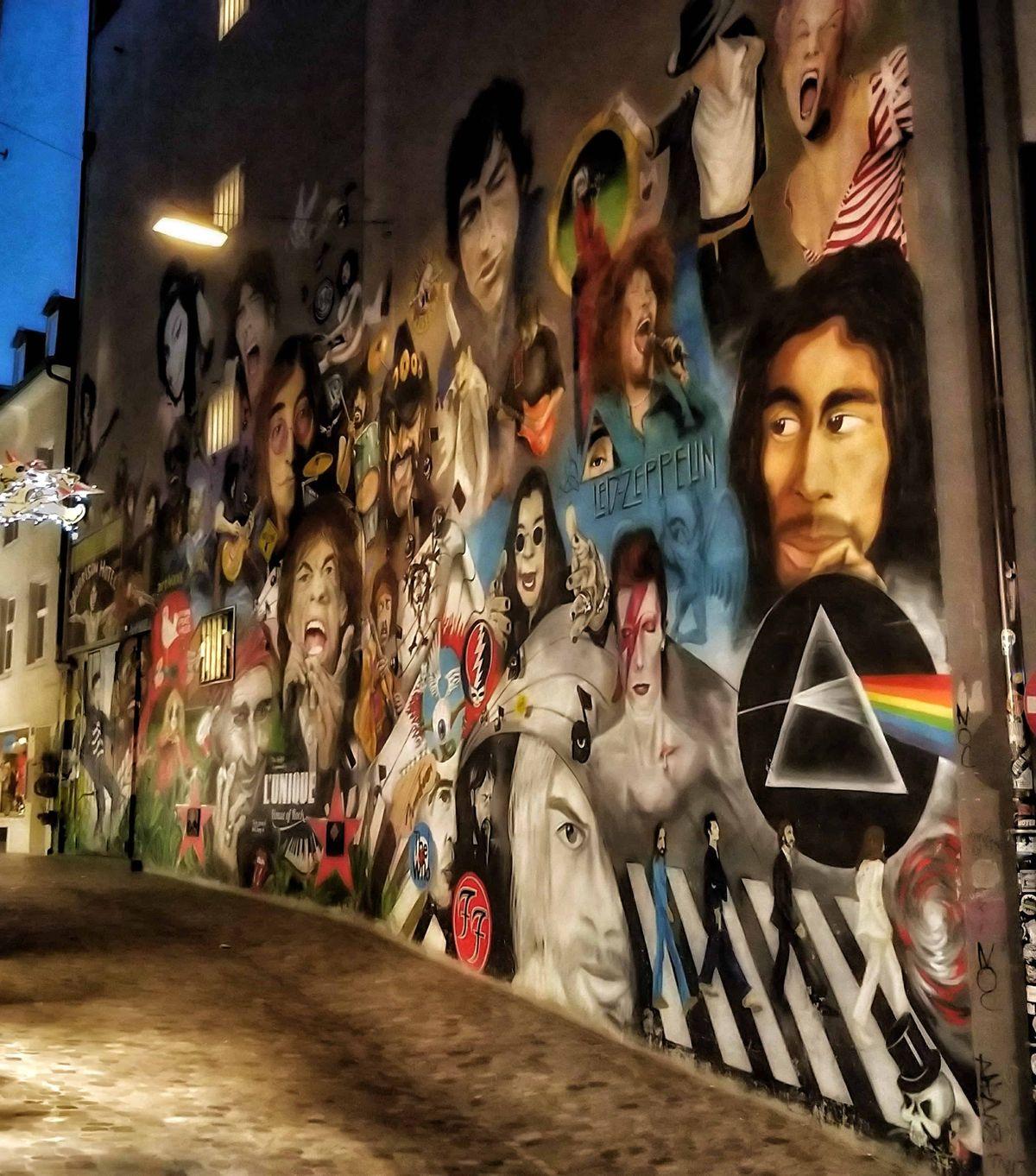 A streetart itt is jelen van, és igen magas színvonalon
