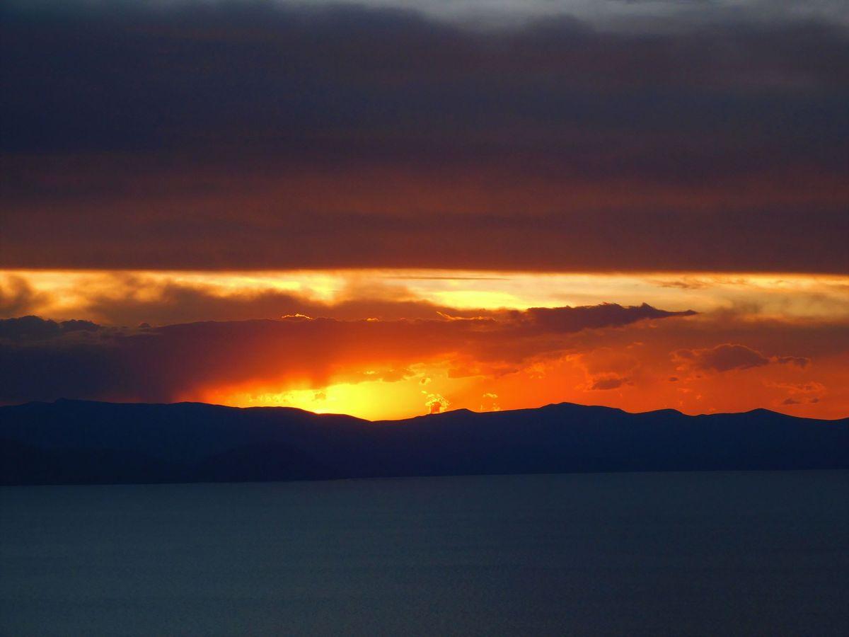 Calvaria Kilátóról a naplemente Titikaka
