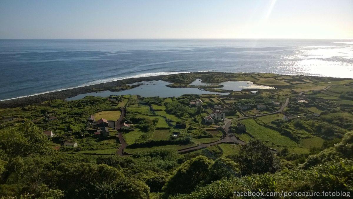 Fajã dos Cubres, a lagúnát itt is mesterséges töltés választja el az óceántól